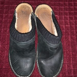 Size 9 black Ugg clogs